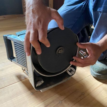 Floor Edgers Fitting the Disc